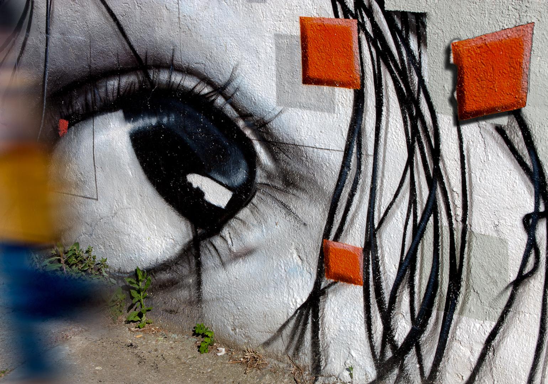 023_spain eyeball grafitti.jpg