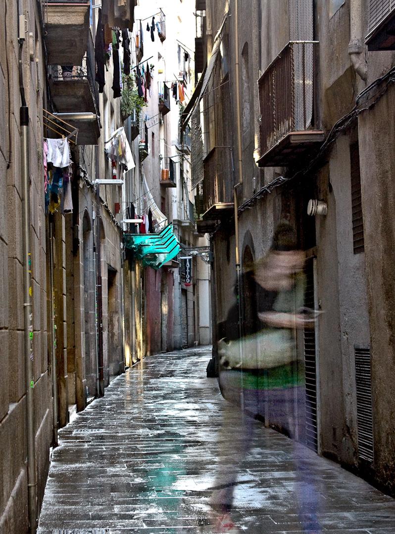 042_spanish rainy alleyway.jpg