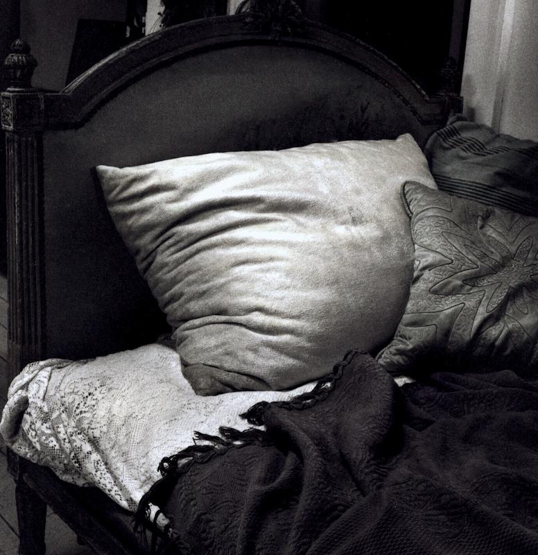 047_Pillow and Backboard.jpg