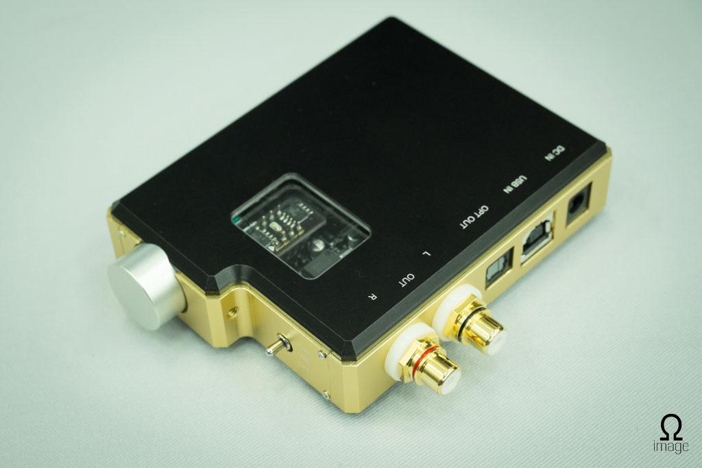 FujiyaAvic-hpfes2013-Smart-Audio-DAC.jpg