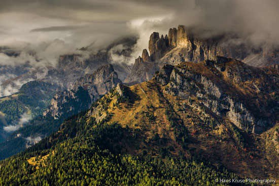 Italy's Dolomite range in the light of early morning. Photographer: Hans Kruse