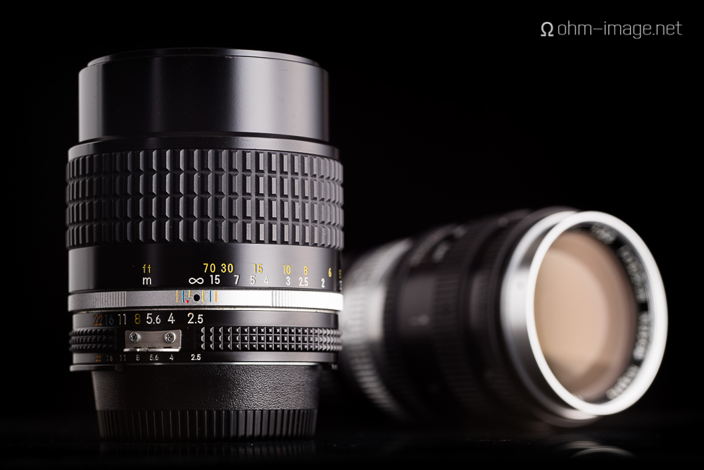 Nikkor 105mm f/2,5 F AiS in front of the classic Nikkor 10,5cm f/2,5 LTM