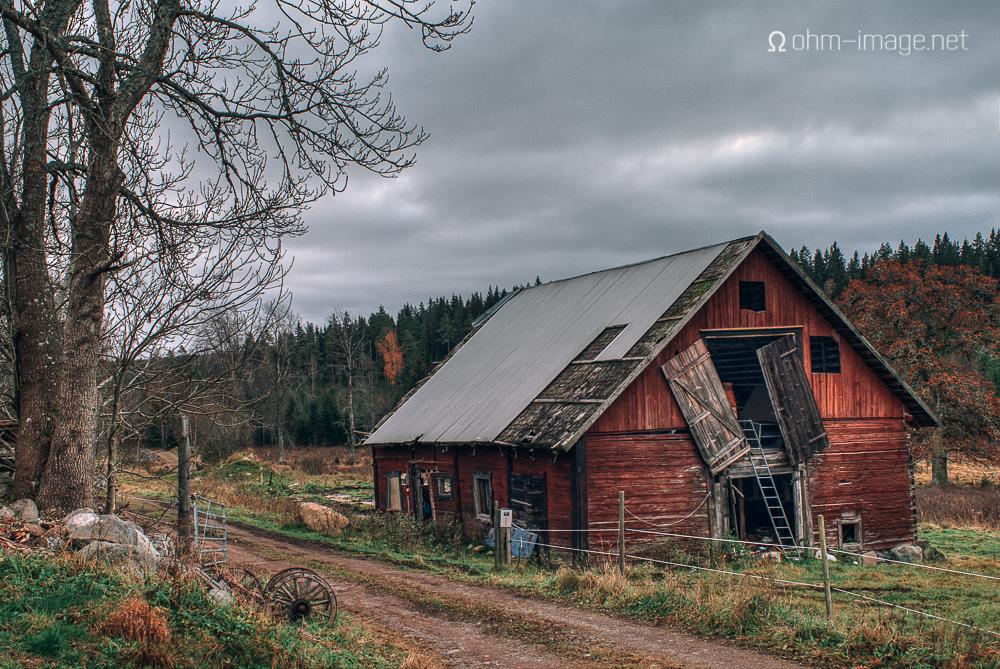 Dilapidated barn, Holsbybrunn (HDR)