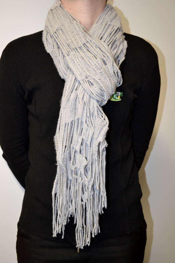 lADIES WINTER SCARFI SILVER GREY     $13.00    SIZES : ONE SIZE FITS ALL