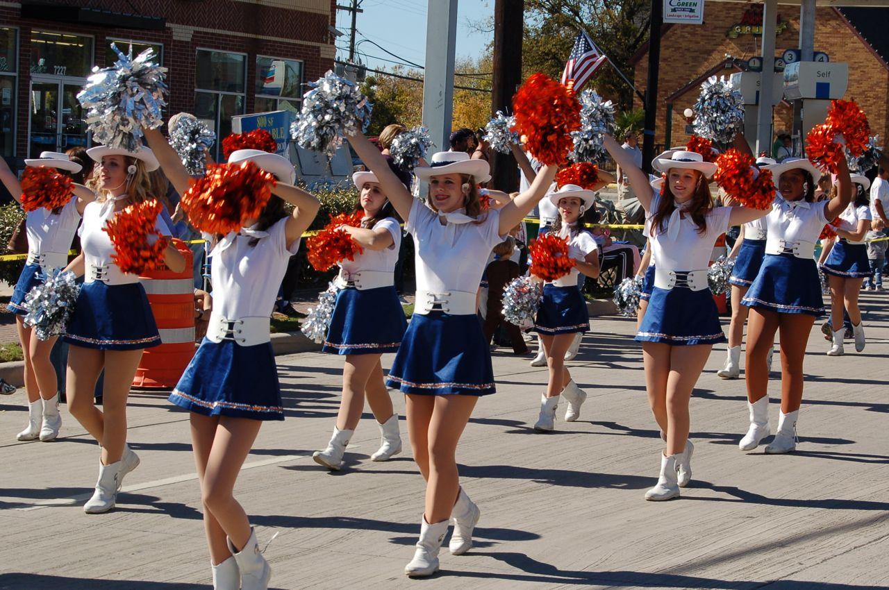 WHSLL Frisco Holiday Parade 11-08-08 - 09.jpg