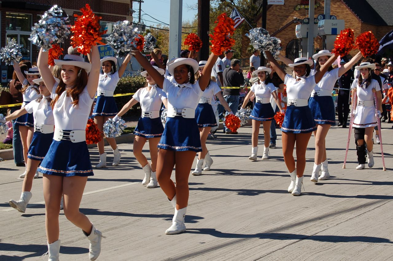 WHSLL Frisco Holiday Parade 11-08-08 - 11.jpg