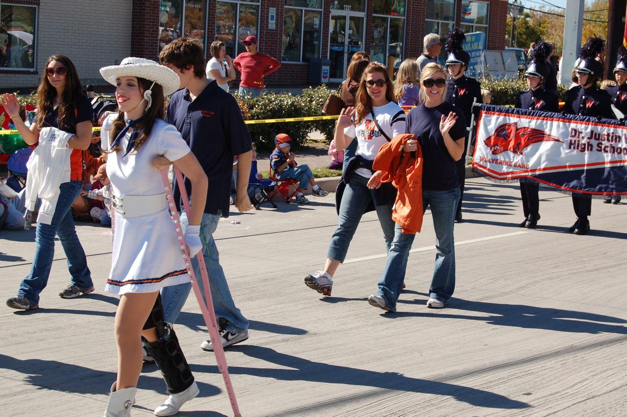 WHSLL Frisco Holiday Parade 11-08-08 - 13.jpg