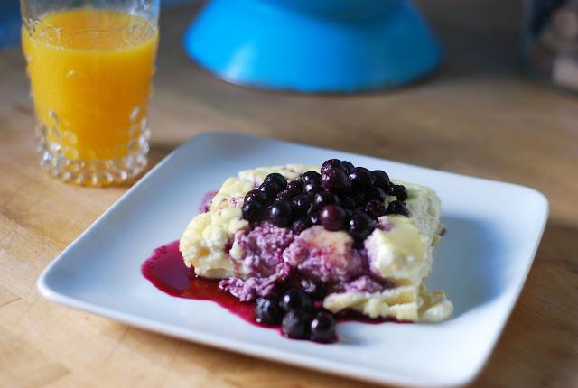 Cheese+Blintz+w+Blueberry+sauce.jpg