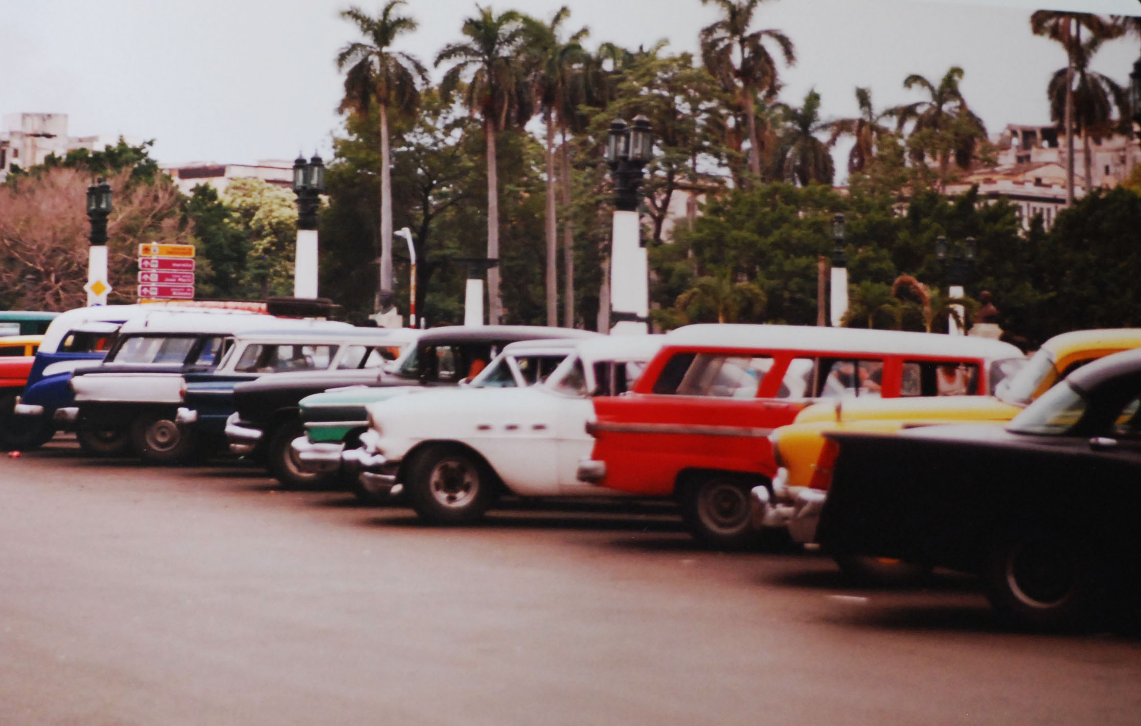 Cuba Cars2.jpg