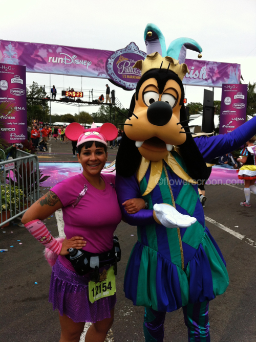 Stopped just before reaching the finish line to take this photo with Goofy