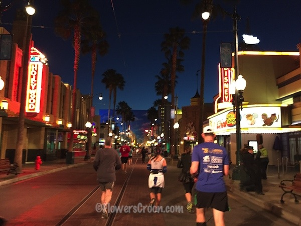 rundisney star wars 10k california adventure hollywood land