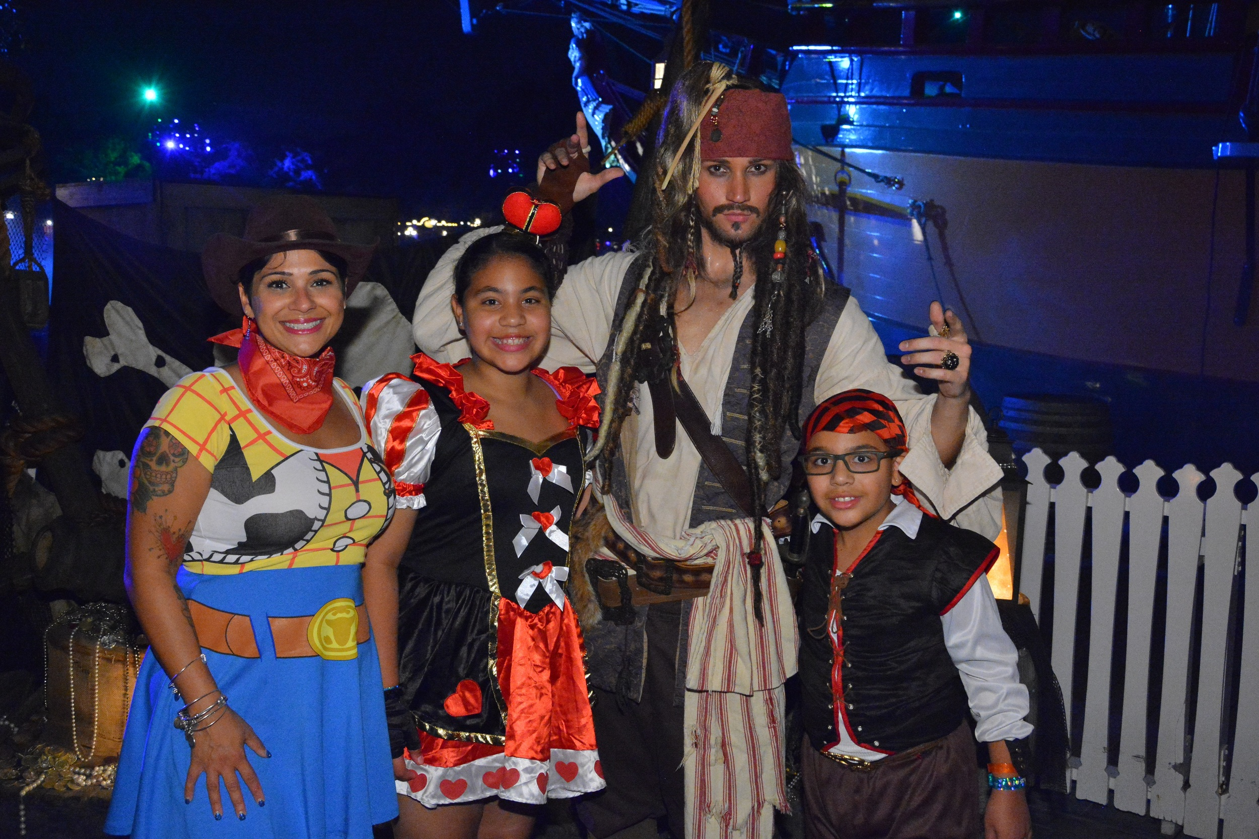 Ernesto was THRILLED to meet the one and only Captain Jack Sparrow