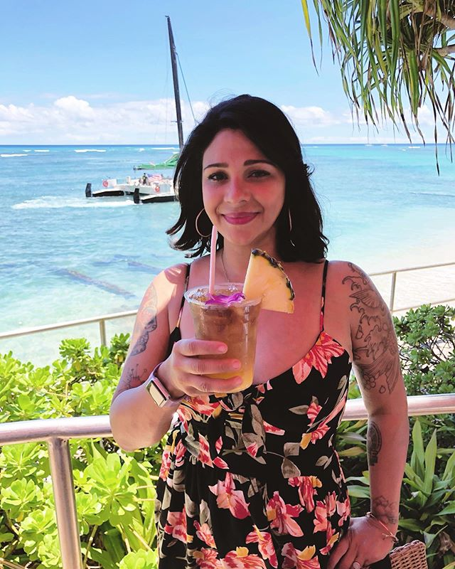 Aloha!🍹I love not knowing what day of the week it is. #Hawaii . . . . . . . #gohawaii #hawaiilife #hawaiistagram #wonderlanddiaries #travel #aloha #shaka #alohappy #maitai #tikilife #tikistyle #couplestravel #Waikiki #waikikibeach #oahu #honolulu #lifewelltraveled #womenwhotravelsolo #targetstyle #targetdoesitagain #foundattarget #latinxwriters #paradise #aulani