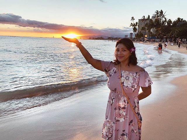 """Never go too long without watching a sunset"" – Atticus #WednesdayWisdom . . . Location @gohawaii Dress: @targetstyle  Bag: @dooneyandbourke  Makeup: @katvondbeauty . . . . . . #gohawaii #waikiki #waikikibeach #wonderlanddiaries #targetstyle #foundattarget #targetdoesitagain #katvondbeauty #lifewelltravelled #latinasborntotravel #wanderlustwednesday #sunset #viajera #atticus #latinxwriters #disneydooney #disneydooneyandbourke #ootd #beachhairdontcare #beachlife #oceanphotography #mermaidlife #travelphotography #igtravel #travelwriter #hawaii #beachlook"