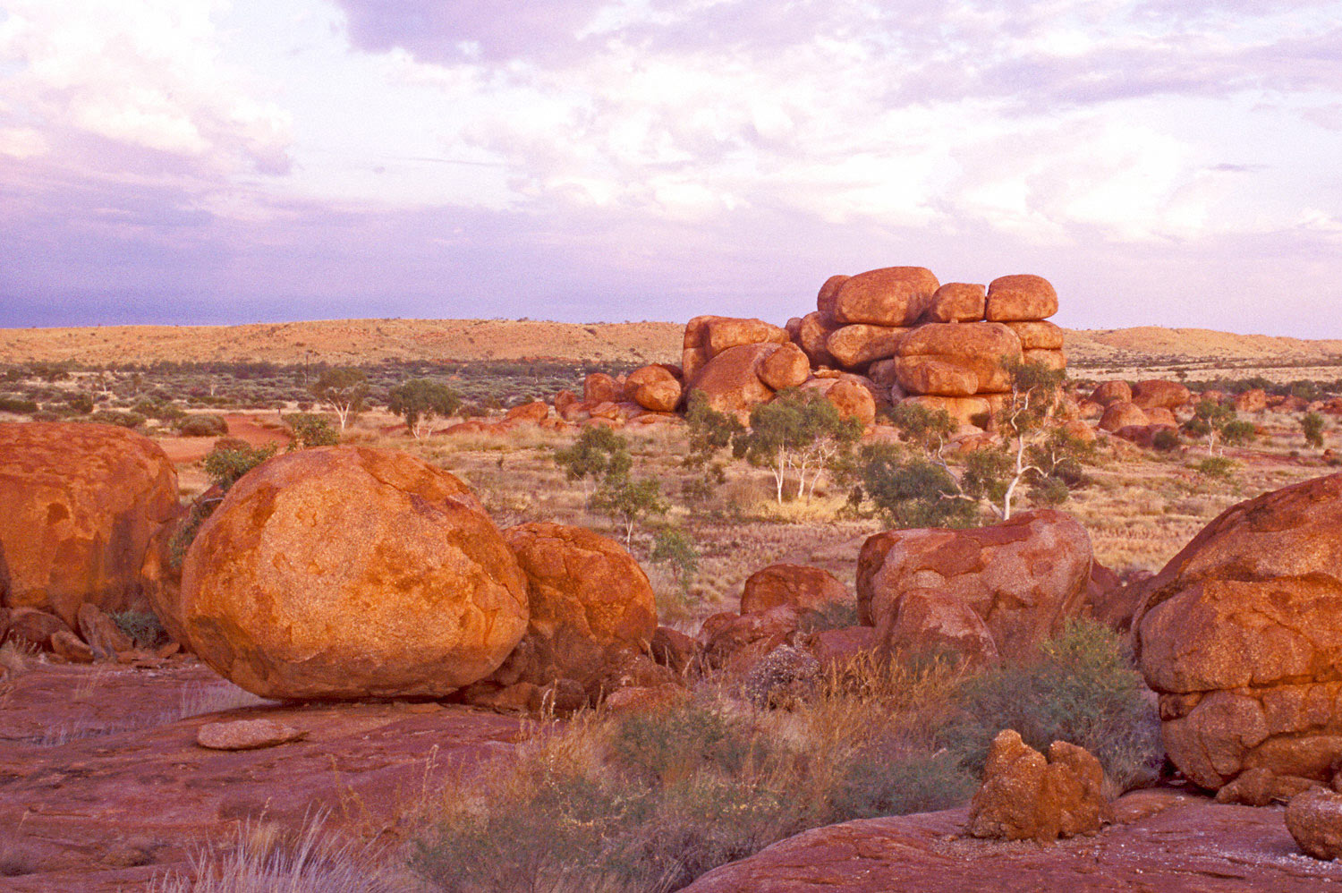 Warren-Hinder-Devils-Marbles-sunset.jpg