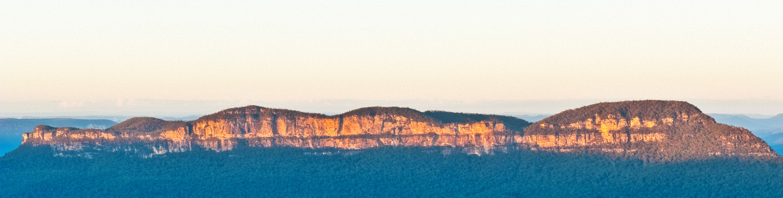 Warren-Hinder-Mount-Solitary-Sunrise-Katoomba_.jpg
