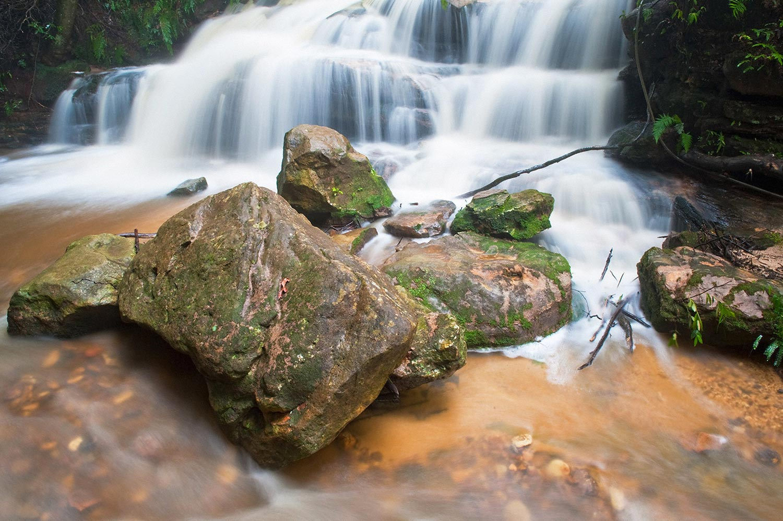 Warren-Hinder-Leura-Cascades-Autumn-Rain-.jpg