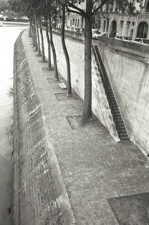 Warren-Hinder-LR-seine-embankment.jpg