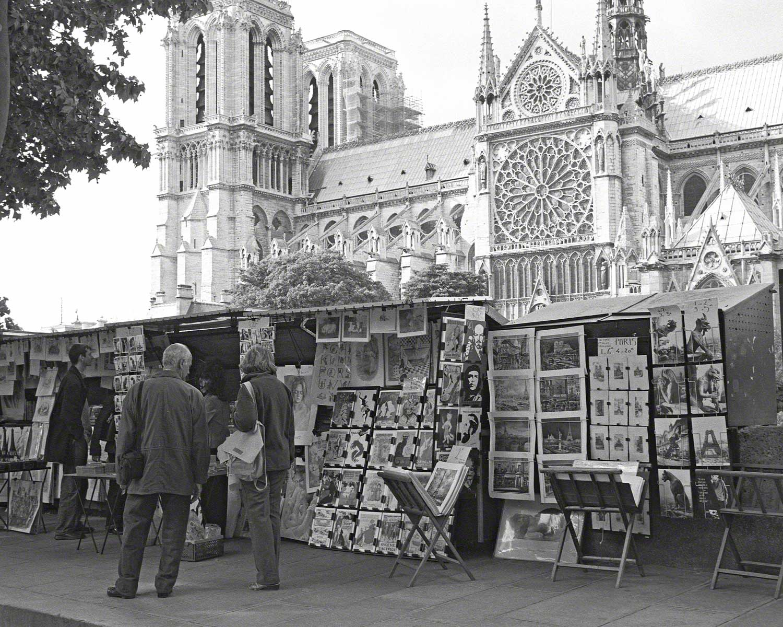 Warren-Hinder-LR-Paris-street-vendor.jpg