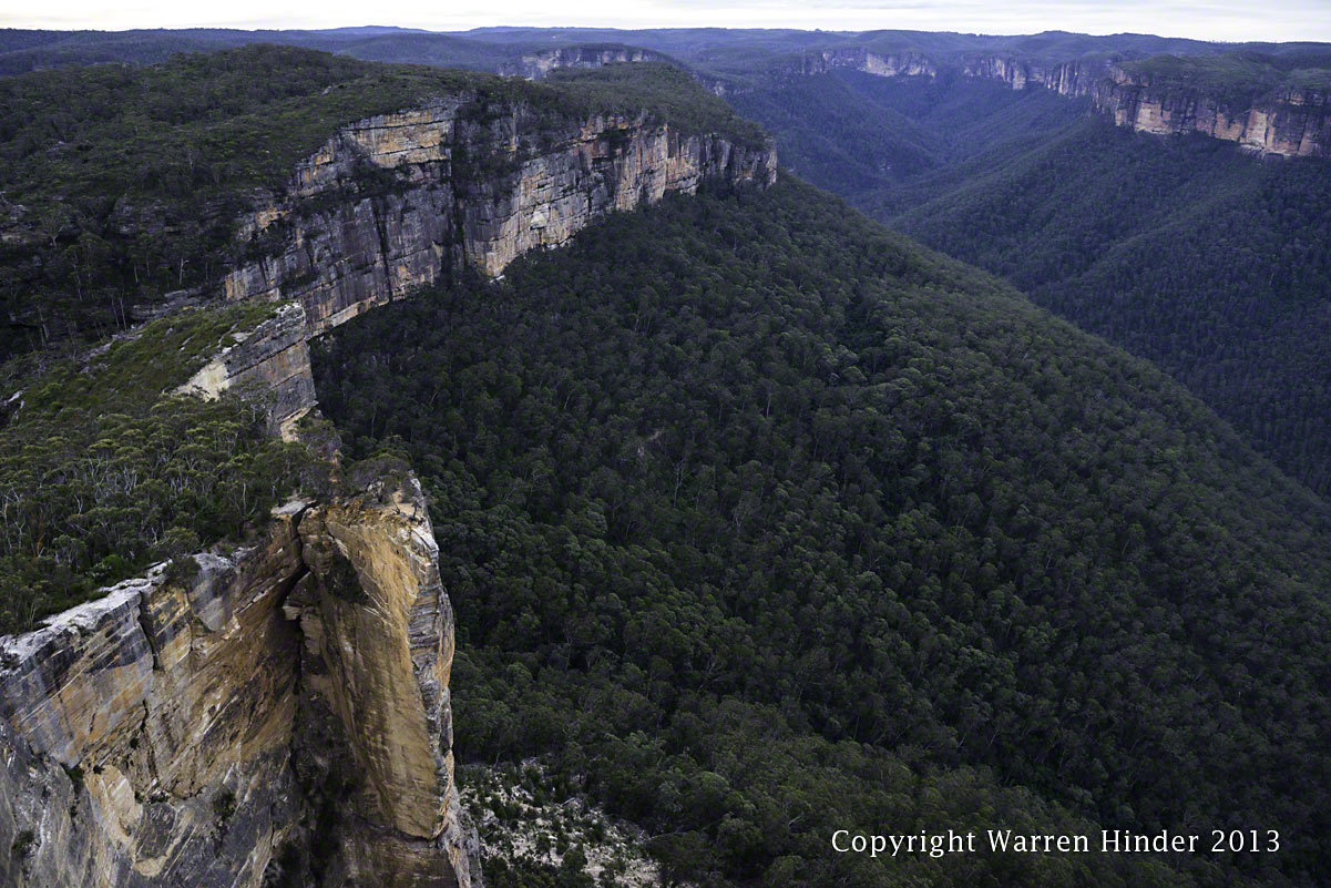 Warren-Hinder-Copyright-2013-Grose-Valley-Hanging-Rock-4.jpg