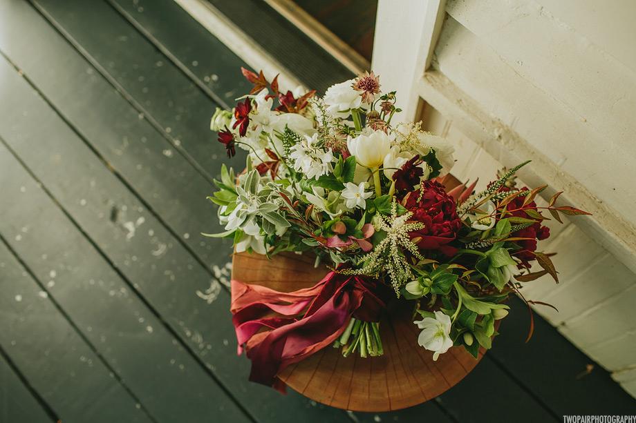 winter-bridal-bouquet.jpg