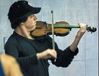 Joshua Bell playing in the DC subway.