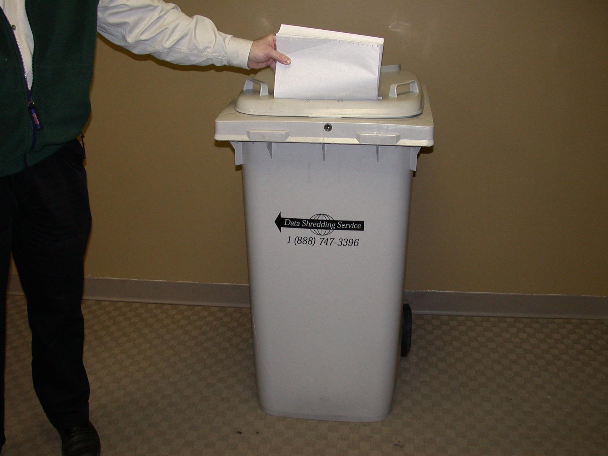 64 gal shredding bin