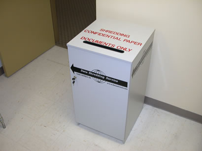 Shredding console for use in office environments.