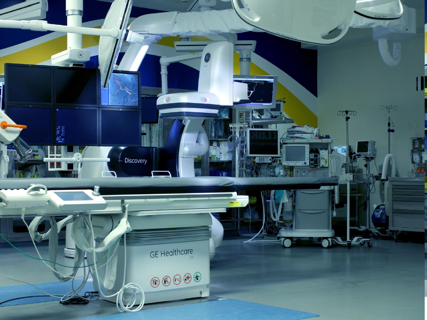 Hybrid-OR-Operating-Room-GE-Discovery-IGS-730-Skytron-LED-Surgical-Lights-Equipment-Booms-PA-22.jpg
