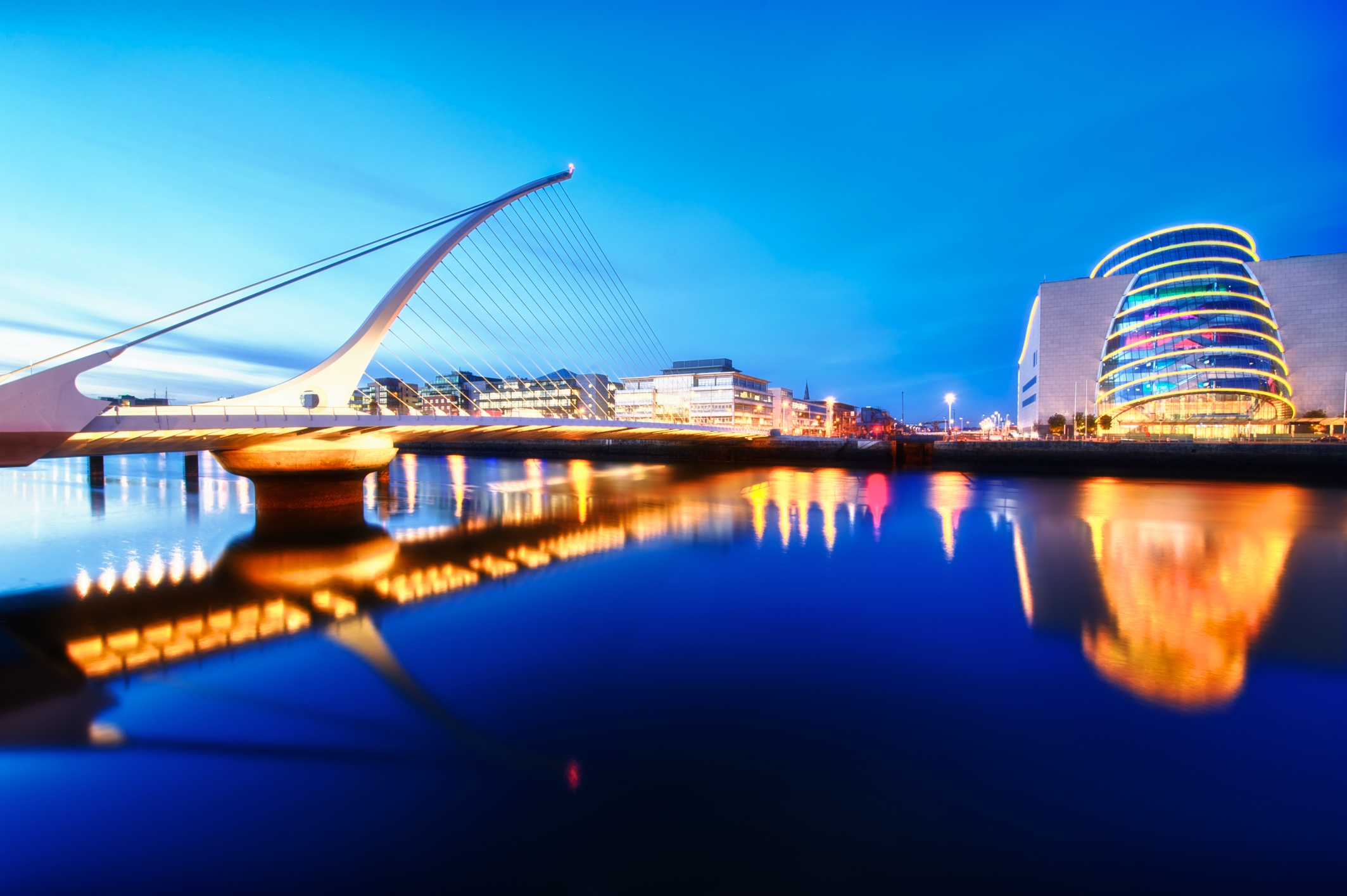 Blue hour on the River Liffey.jpg