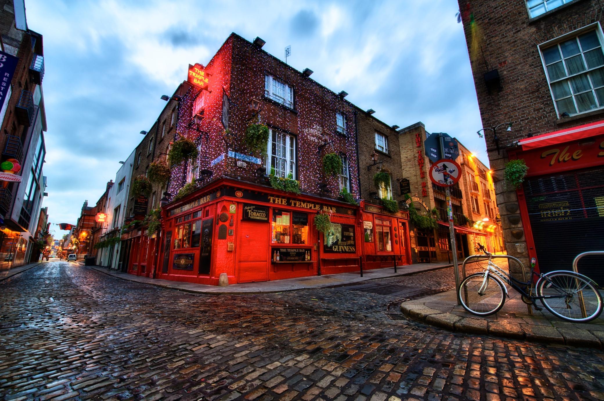 The Temple Bar, Dublin.jpg