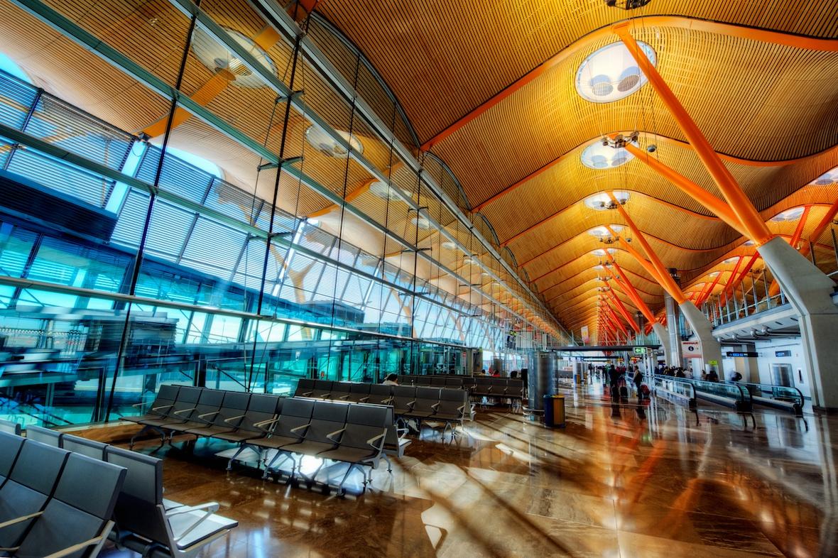 MadridBarajasAirport2.jpg