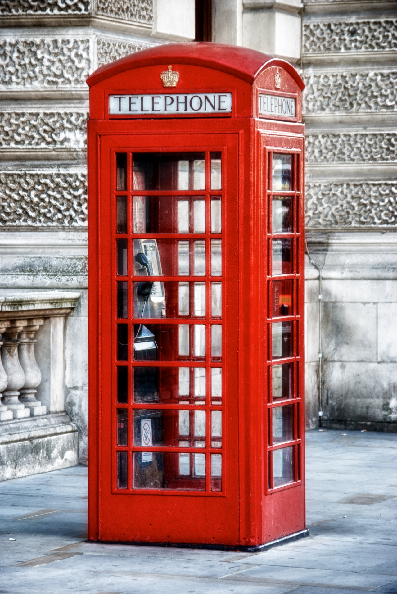 English phone booth.jpg