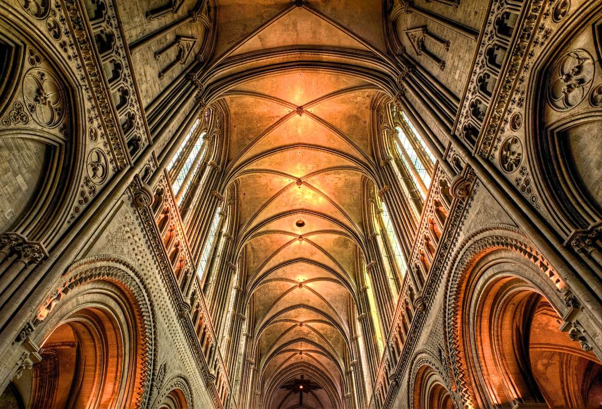 BayeuxCathedralHDRceiling.jpg