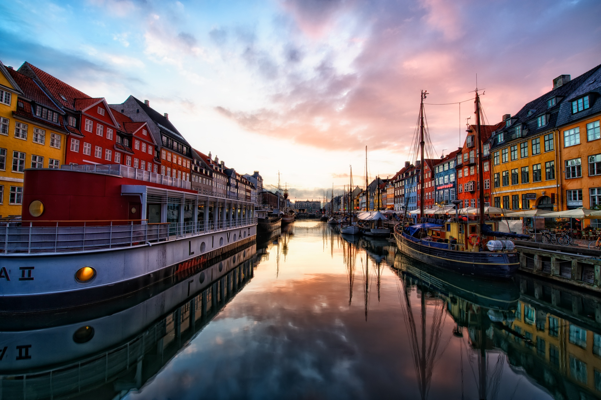 Sunset at Nyhavn.jpg