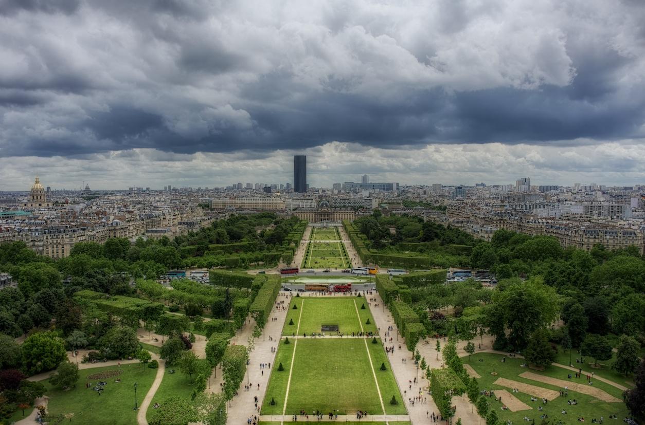 EiffelTowerHDRview1.jpg