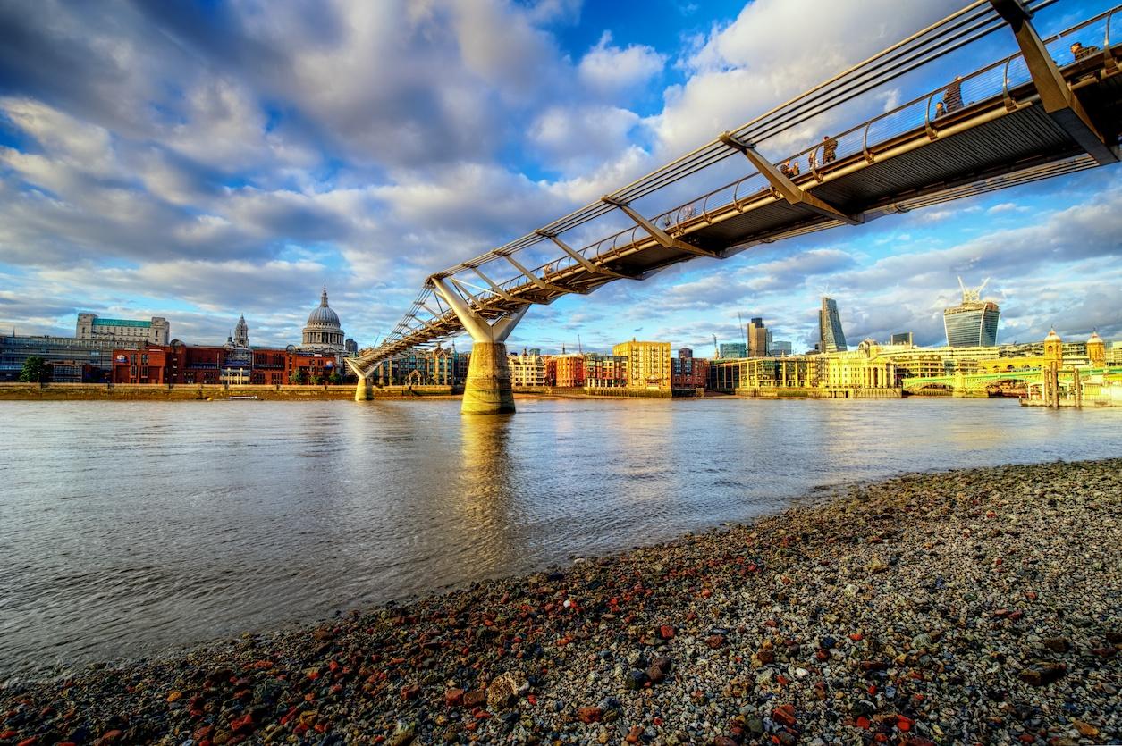 LondonViewfromThamesHDR1.jpg