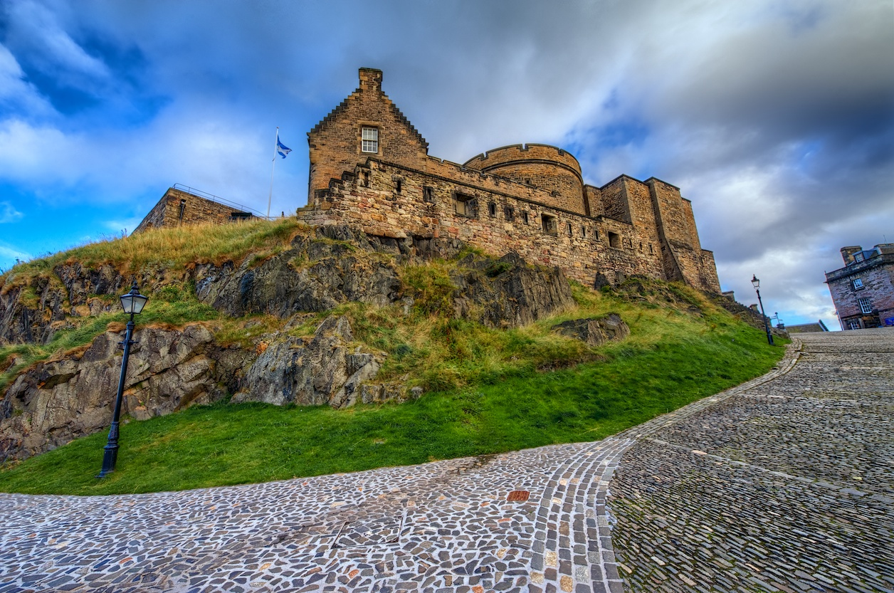 EdinburghCastleHDR1.jpg