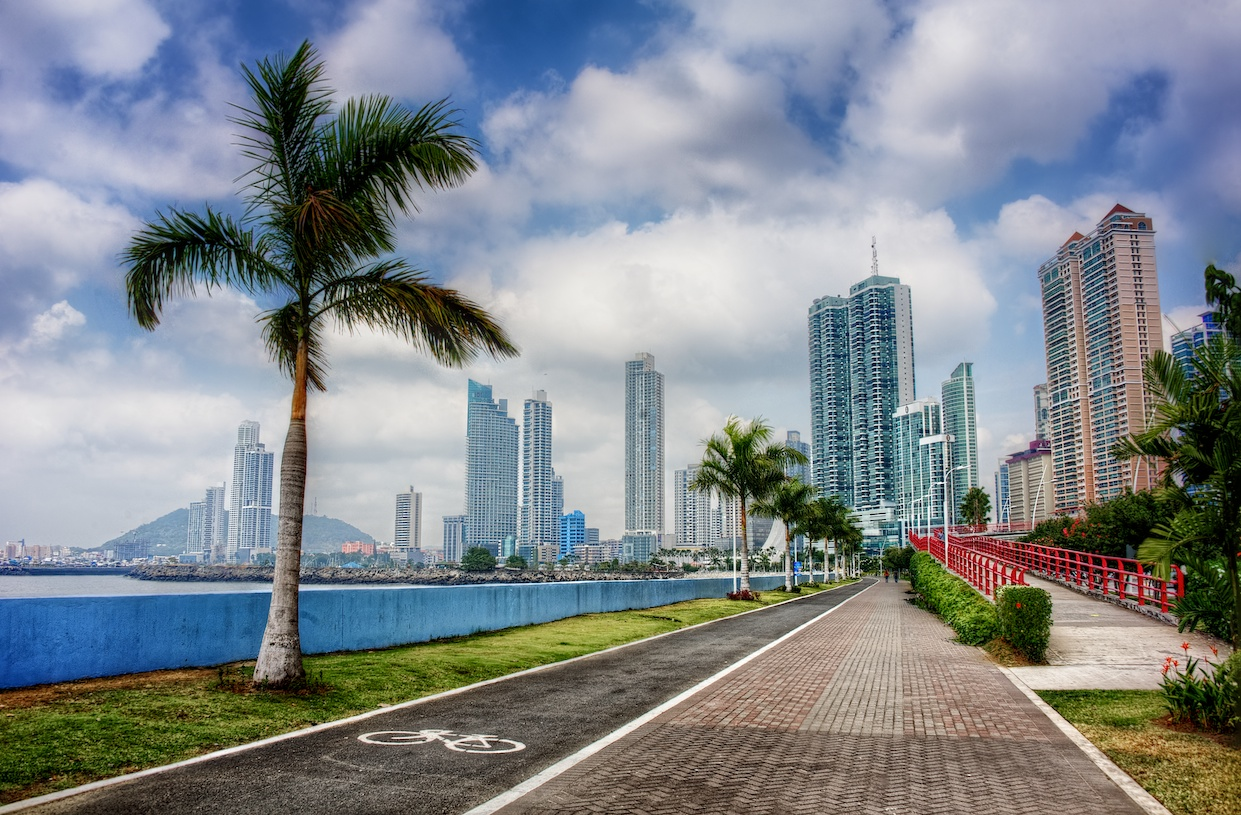 panama-city-skyline-hdr-cinta-costera-daytime.jpg