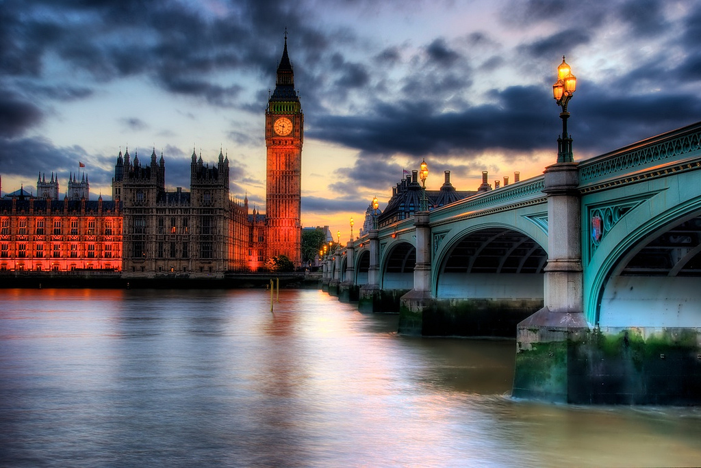 A 7 frame HDR sunset from my favorite Big Ben viewing spot (click to enlarge)