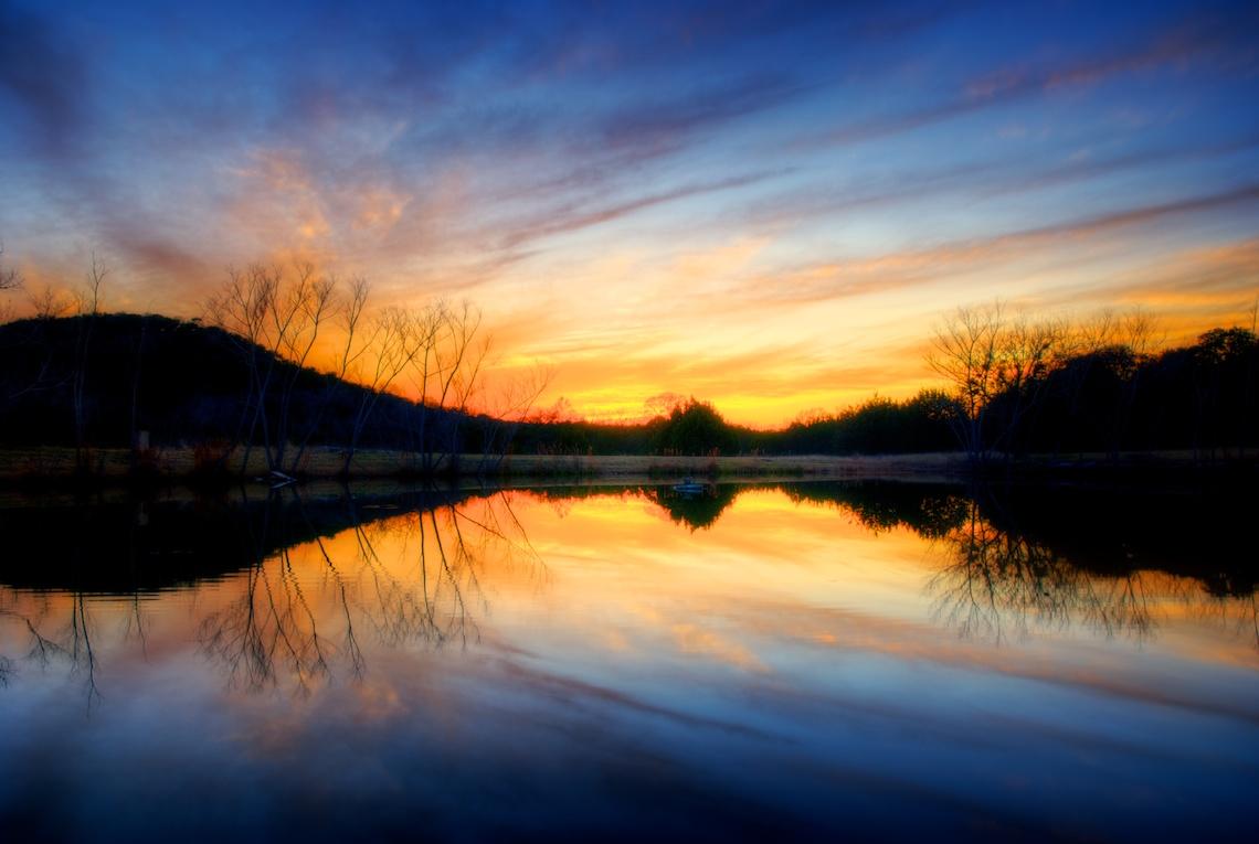 SunsetHDRreflectPond.jpg
