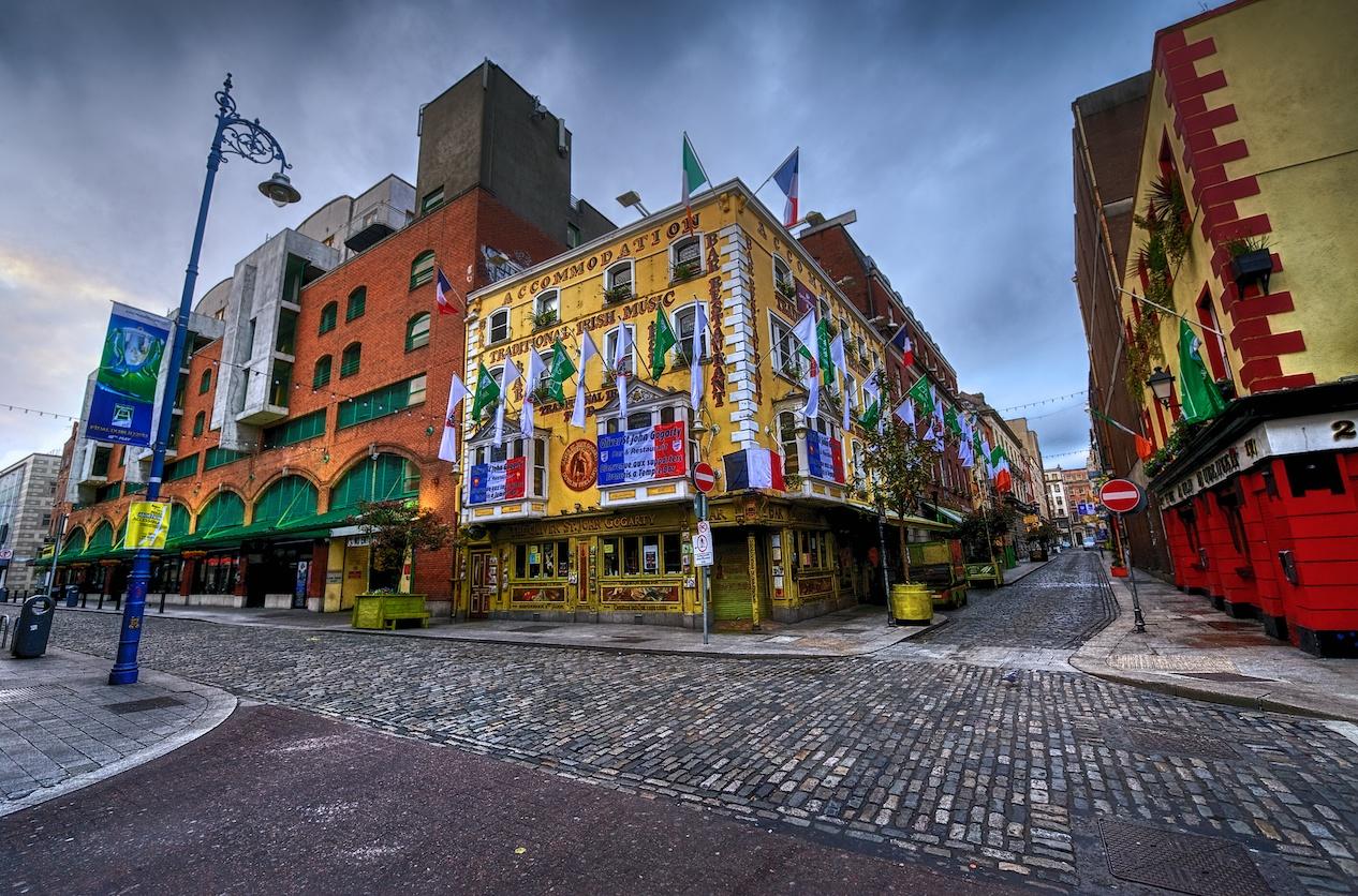 Oliver-St-John-Gogarty-Dublin-HDR-pub-1.jpg