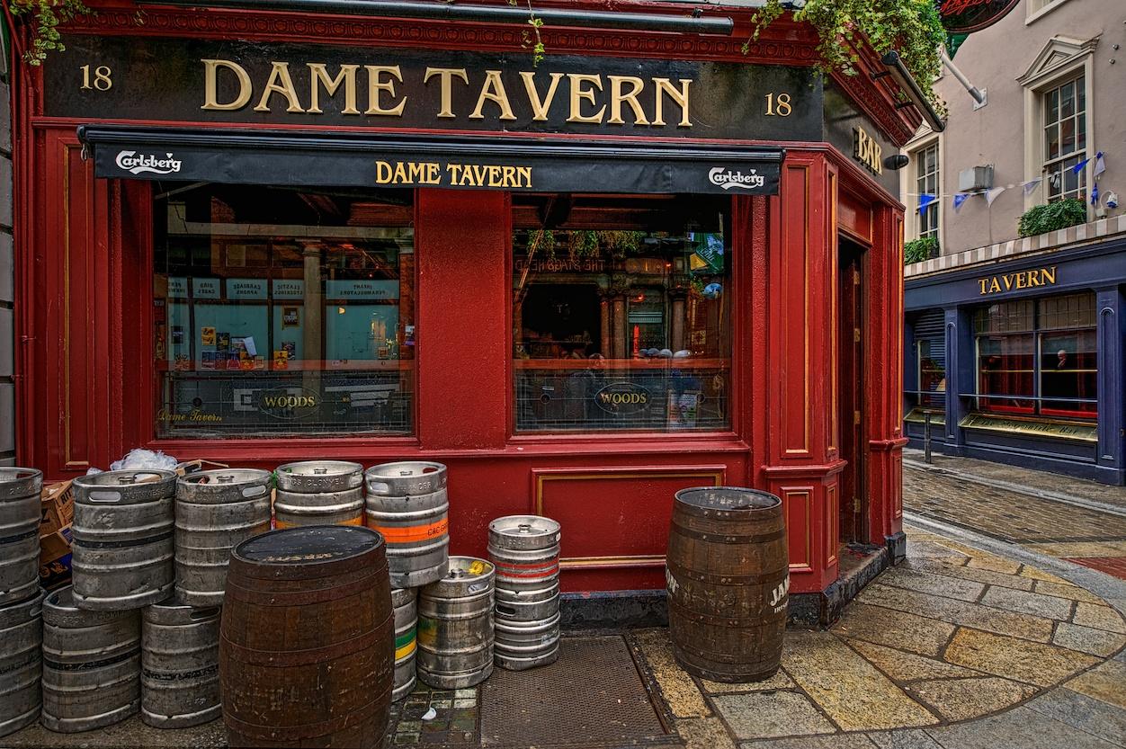 Dublin-Ireland-Dame-Tavern-pub-HDR1.jpg