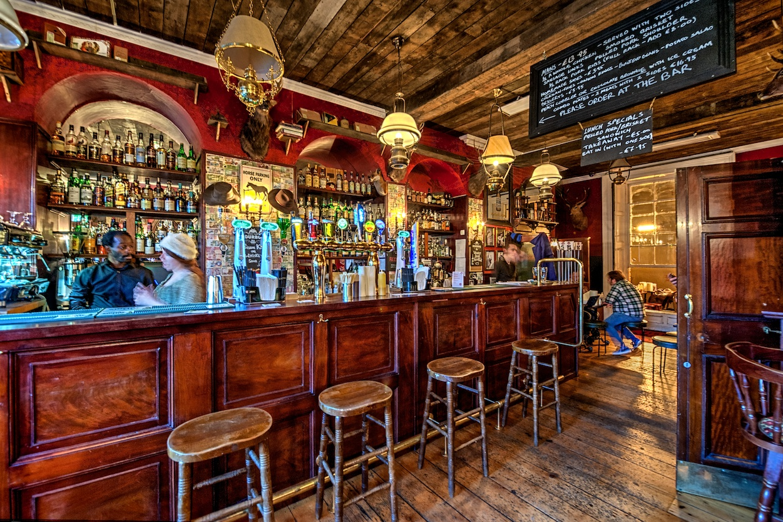Dublin-Ireland-Bison-Bar-HDR.jpg
