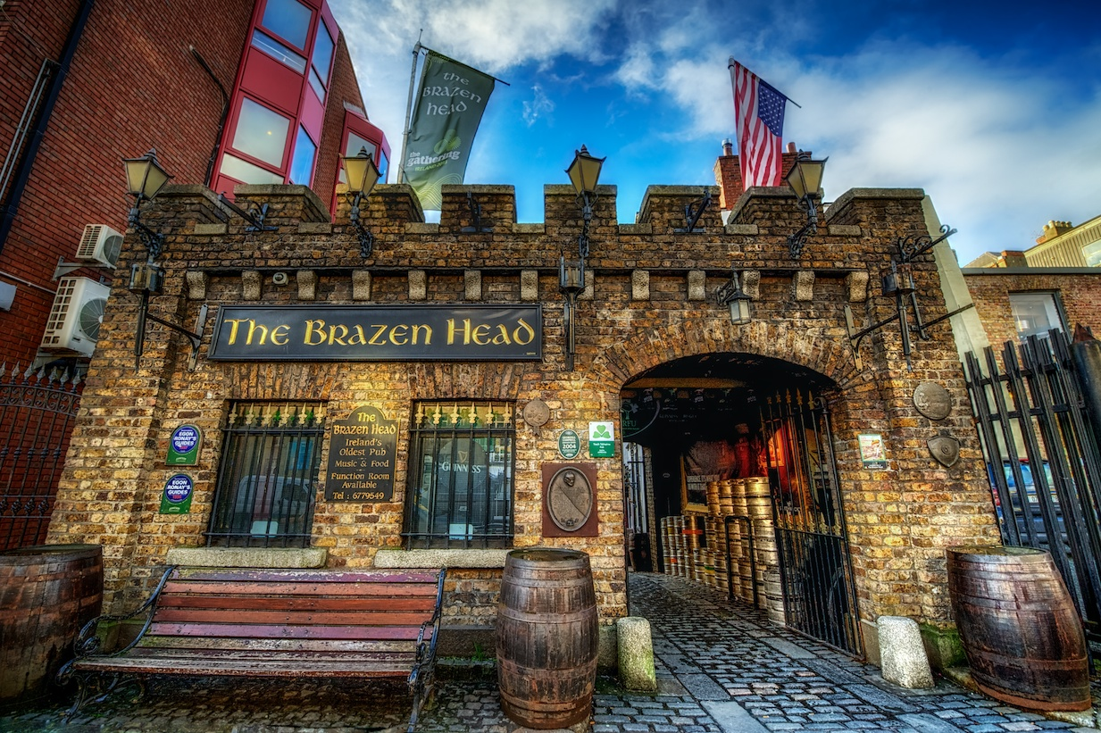 Dublin-Ireland-Brazen-Head-pub-HDR1.jpg