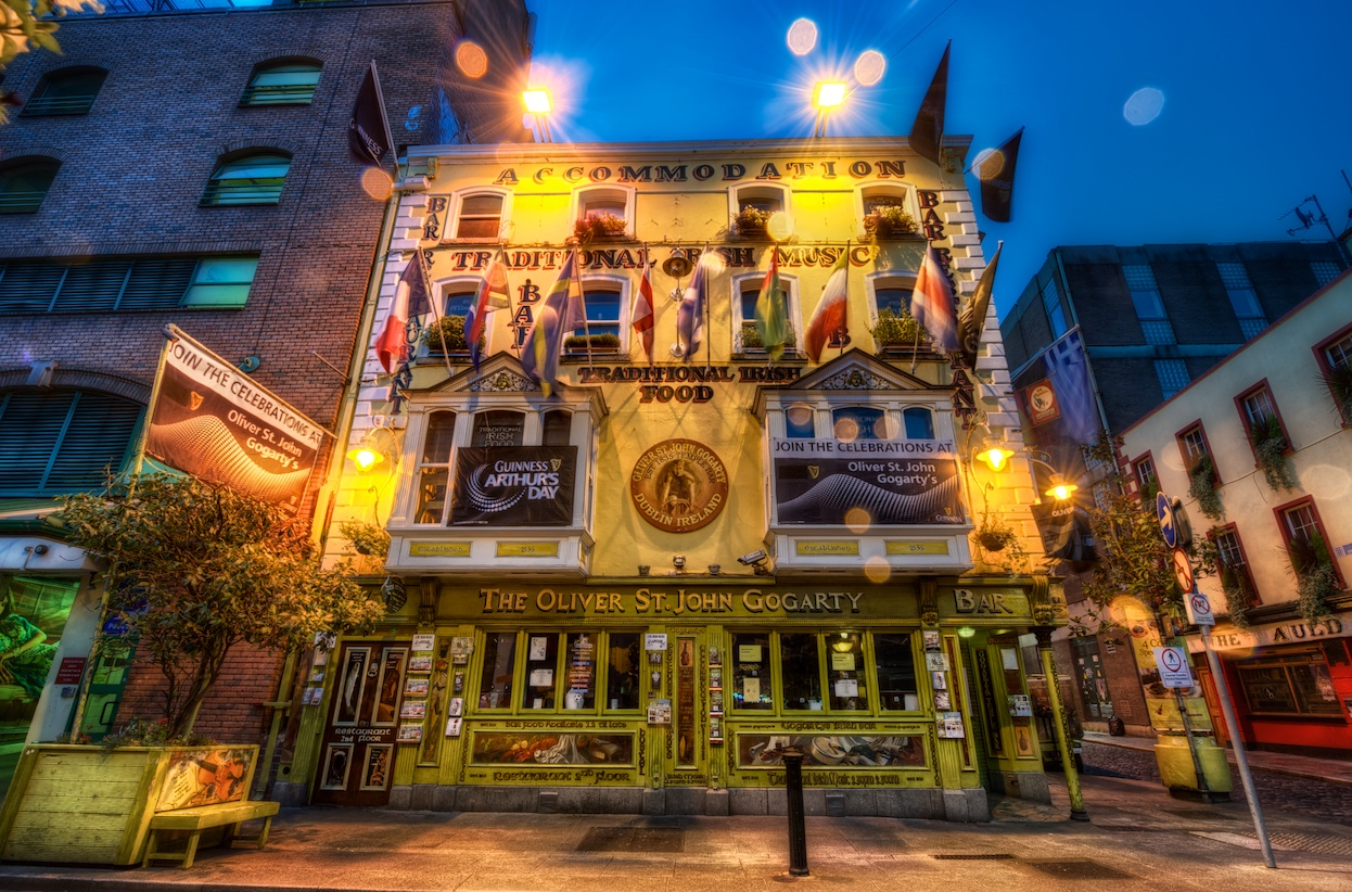 Isn't this a fun looking Irish pub?