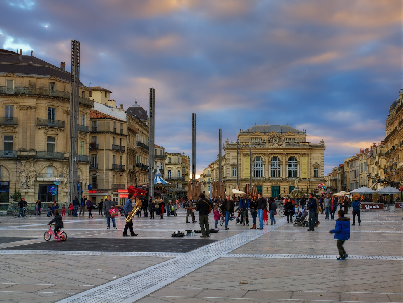 Montpellier-France-sunset-Place-Comedie-HDR-2.jpg