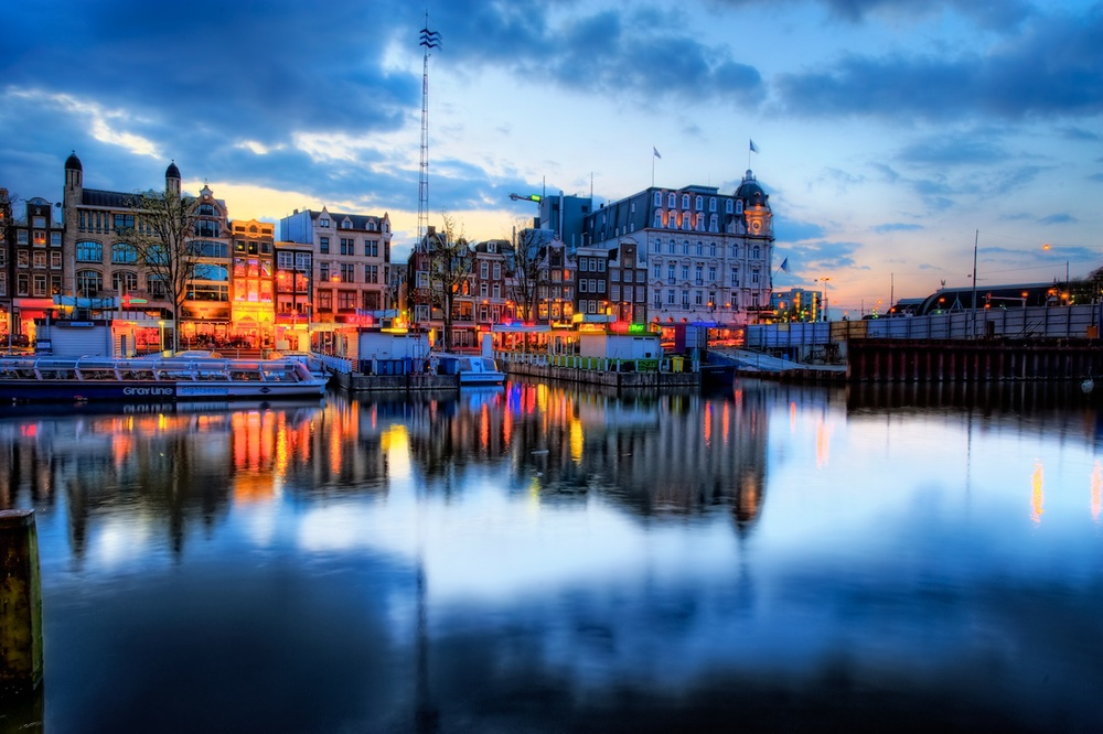 last light in amsterdam