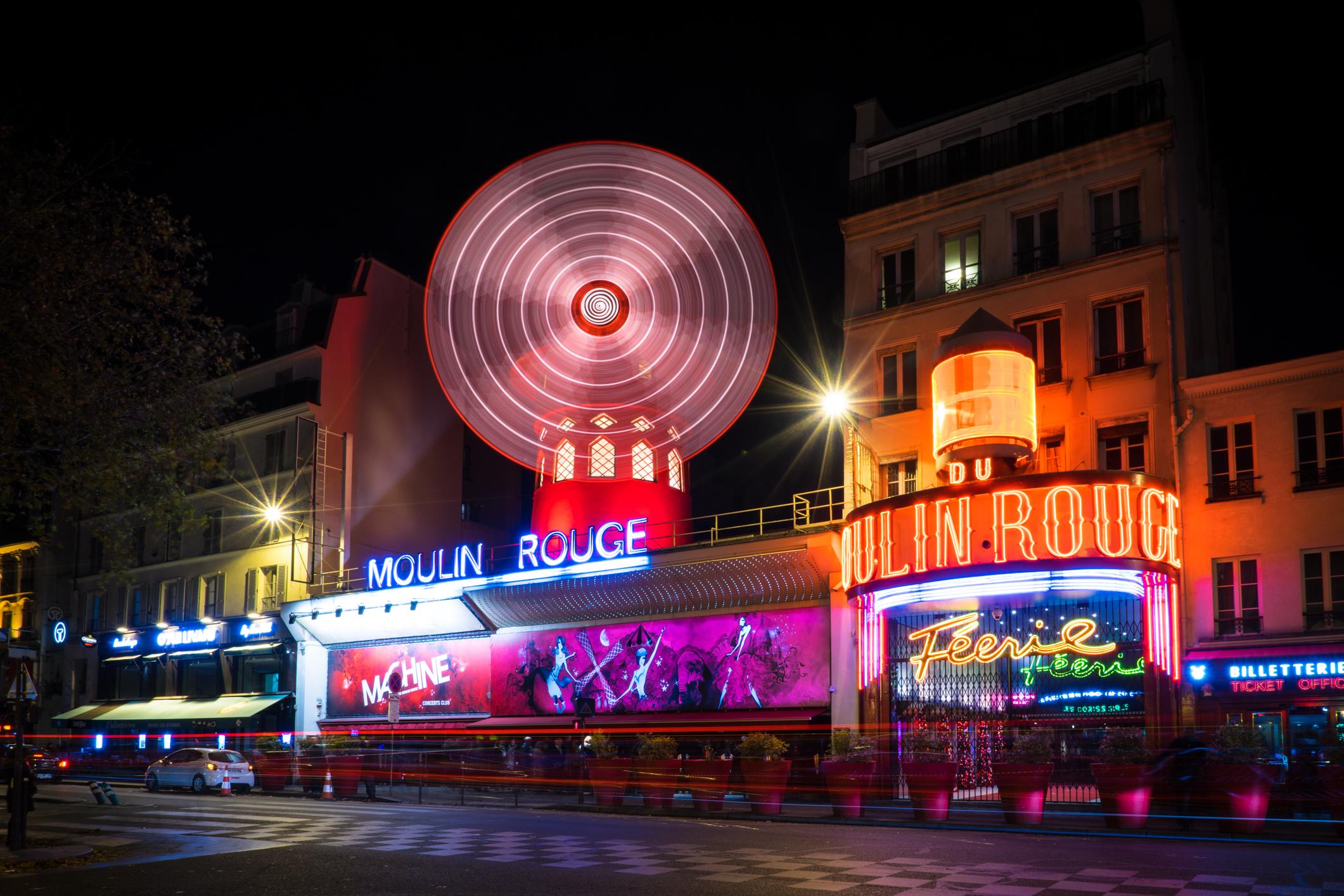 France-Paris-MoulinRouge-longexp-street1.jpg