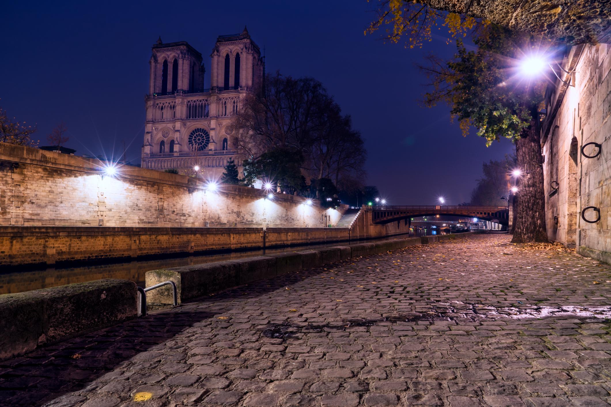 France-Paris-Notre-Dame-morning-twlight-Luminar1.jpg
